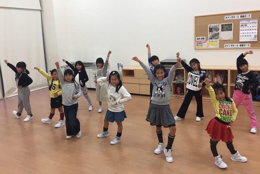 11月 LOICX☆チアダンススクール 津島 間違っても笑顔