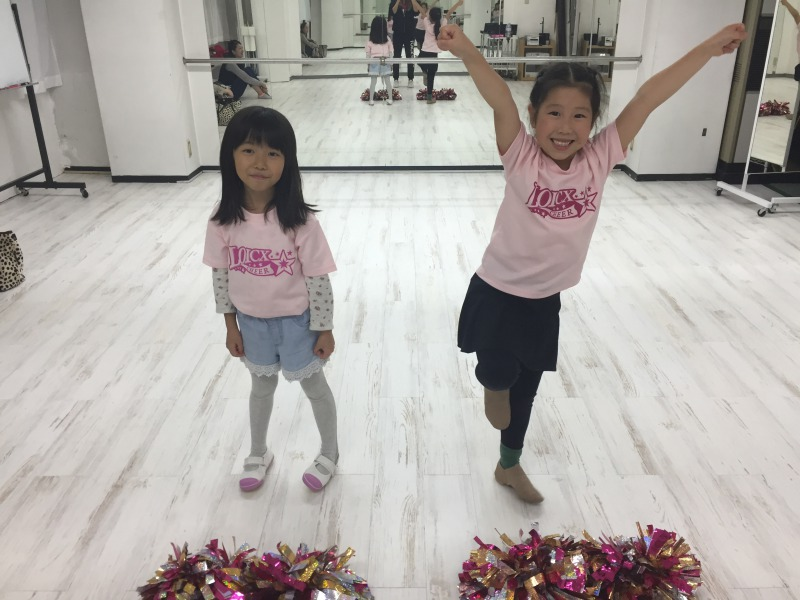 11月 LOICX☆チアダンススクール 名古屋 歯出して